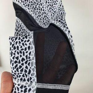 lululemon athletica Pants - Lululemon Inspire Tight II Miss Mosaic White Blk 6
